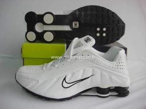 best service b3ece 0d4c2 ... r4 homme  Nike Shox Noir Et Blanc ...